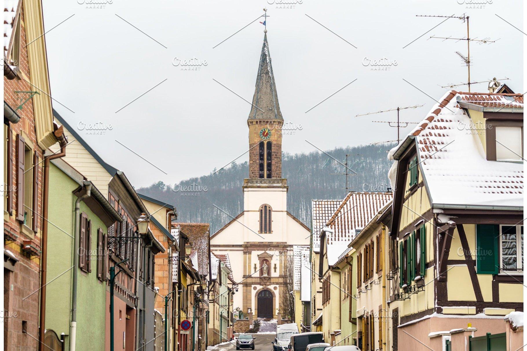 Architecte Bas Rhin saint matrin church in kintzheim, a village in bas-rhin - alsace, france