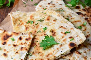 Flatbread with herbs, Kutaby