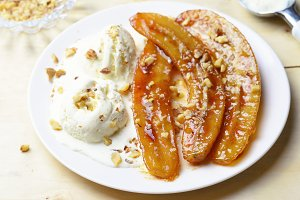 Caramelized Bananas, Ice-cream and Chopped Nuts Dessert
