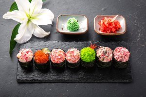 Gunkan sushi set with salmon, tuna