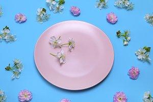 empty round ceramic pink plate