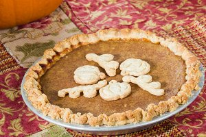 Pumpkin pie with cut outs