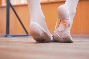 Ballet dancer's feet, training in studio