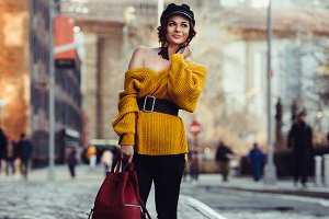 ashionable woman travel in New York
