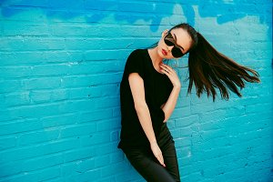 Beautiful asian girl wear sunglasses
