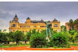 Biznaguero statue in Malaga at Pedro Luis Alonso Gardens