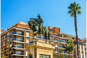 Monument to Jaime el Conquistador in Valencia, Spain