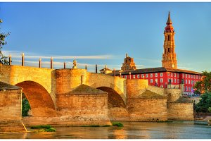 Puente de Piedra in Zaragoza, Spain