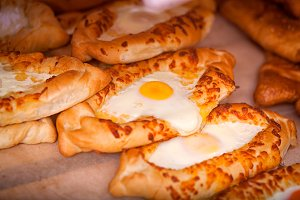 khachapuri buns with egg