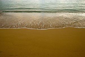 Waves on the seashore