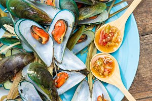 Steamed Mussel and Sauce