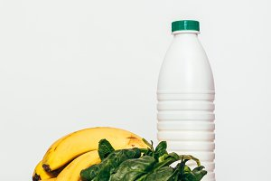 Bananas, spinach and a bottle