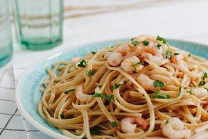 Linguini with shrimps