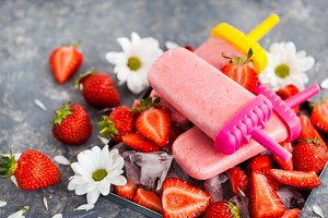 Strawberry popsicles ice cream