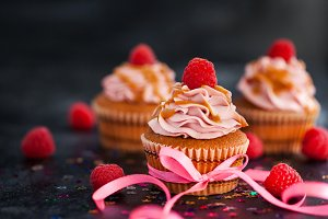 Raspberry and caramel cupcakes