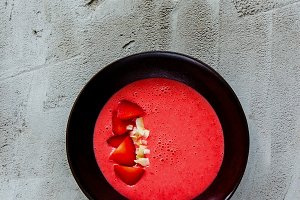 Strawberry smoothie bowl