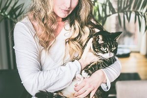 Pretty women with cat