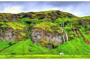 Small waterfalls near Seljalandsfoss - Iceland