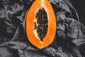 Papaya fruit slices