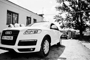 Audi Q7 wedding cortege