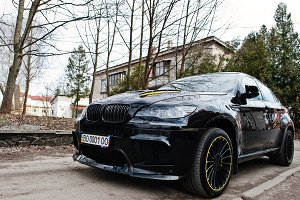 Black BMW X6 M performance