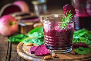 Red beetroot detox smoothie