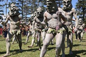 mudmen tribe in Mount Hagen festival