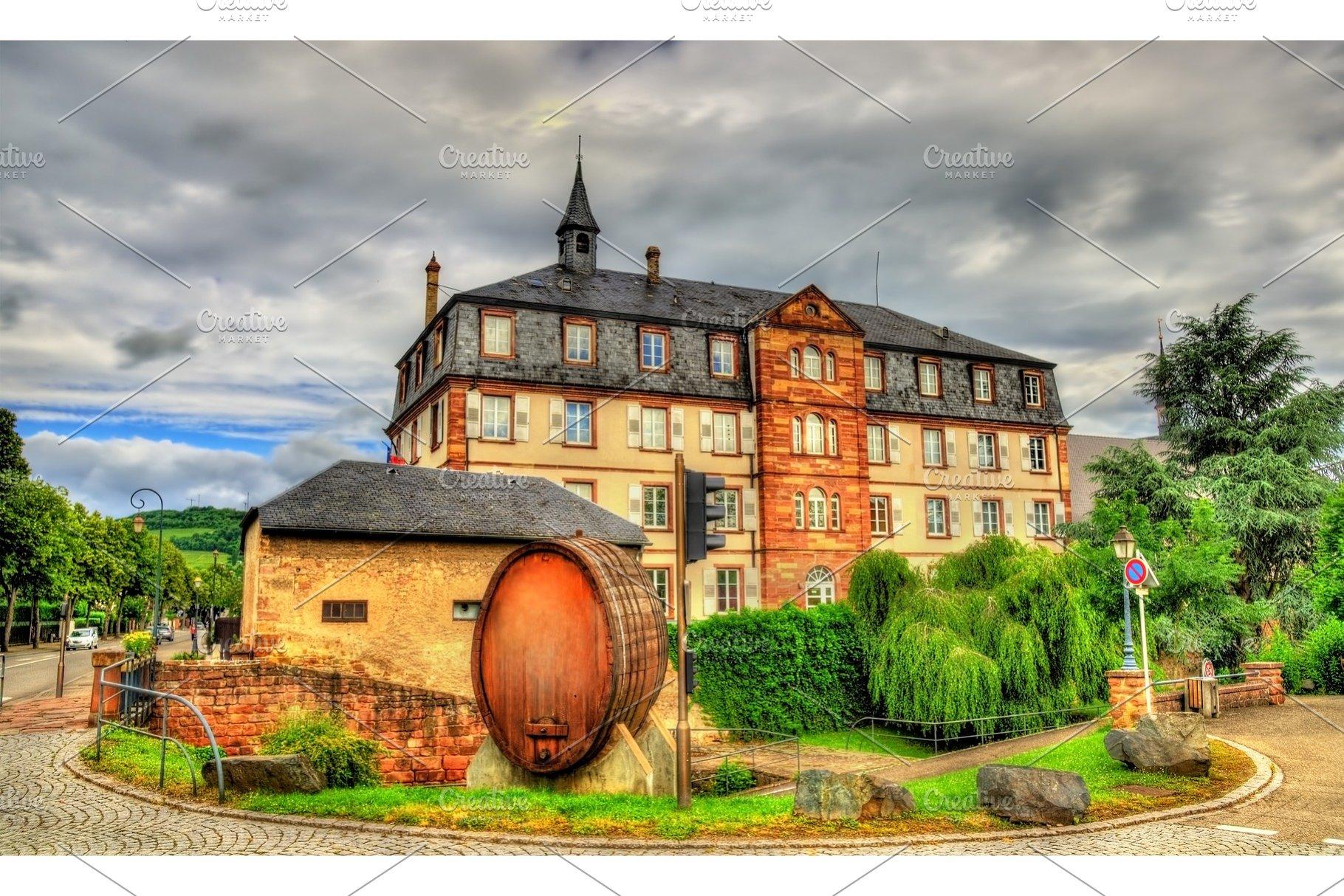 Architecte Bas Rhin wine barrel in molsheim - bas-rhin, france