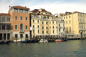 Hotel Regina on Venice Canal 02