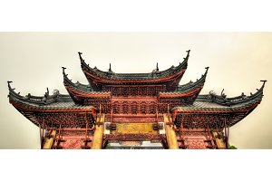 Gate of the Bao'en Temple in Suzhou