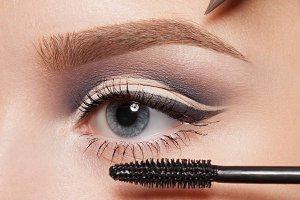Perfect professional eye make-up