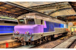 Old French diesel locomotive at Paris-Est station