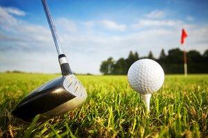 Playing golf - prepaing to shot
