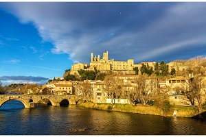 View of St. Nazaire Cathedral and Pont Vieux in Beziers, France