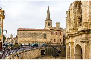 Church Notre-Dame-la-Major and Roman amphitheater in Arles - Fra