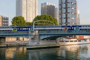 Modern buildings Paris.jpg
