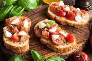 Italian Bruschetta or Crostini