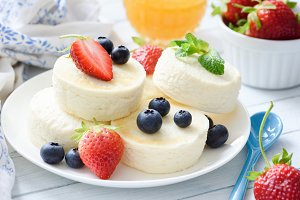 Baked cottage cheese cheesecake