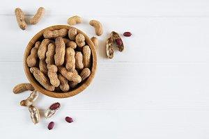 Peanuts in nutshell