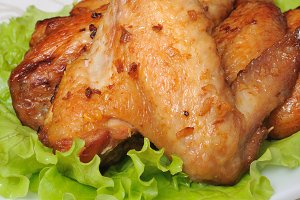 Baked chicken wings with garlic