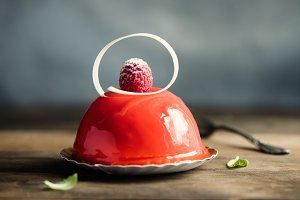 Pastry, dessert, raspberry cake