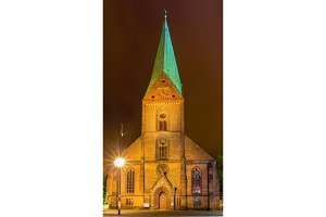 Night view of St. Nikolai Church in Kiel, Germany
