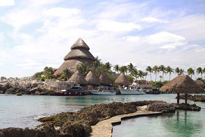 Cancun • Anchored