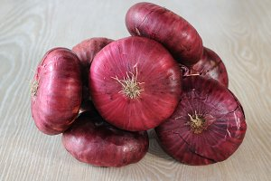 Crimean purple onion