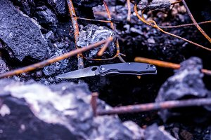 Photo of the knife at an angle. Folding knife.