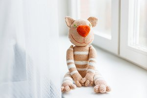 Handmade knitted funny cat toy
