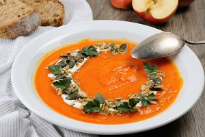 Pumpkin-apple soup puree