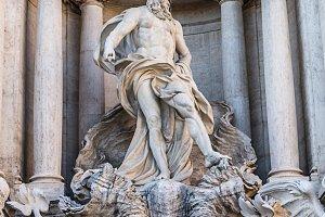 Famous landmark fountain di Trevi