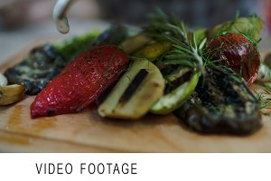 Sauce topping on grilled vegetables