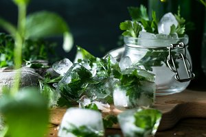 Detox ice cubes with herbs VI